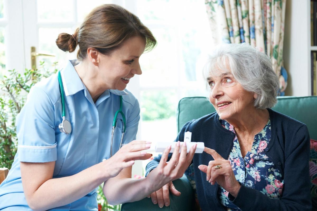 Pflegefall und zu wenig Pflegeleistung? So kann man die Finanzlücke geschickt umgehen