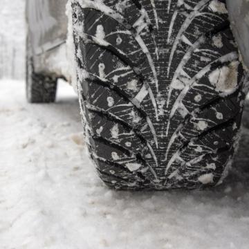 Winterreifen - jetzt das Auto winterfest machen
