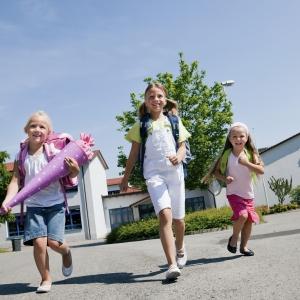 Familie versichern - nicht jede Versicherung lohnt sich auch für den Nachwuchs