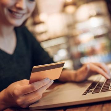 Online Kauf: EU-Kommission modernisiert Datenschutzvorschrift