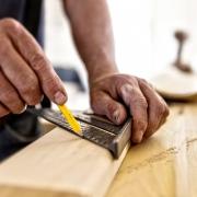 Eigenleistung: So kann beim Hausbau gespart werden